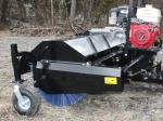 """Balais rotatif 66"""" pour tracteurs munis d'une attache frontale de style """"Skid Steer"""""""